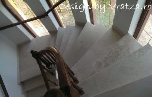 Trepte piatra Vratza cu balustrada de lemn Stejar