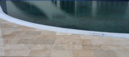 Piatra_naturala_pentru_piscine_travertin_calcar_01